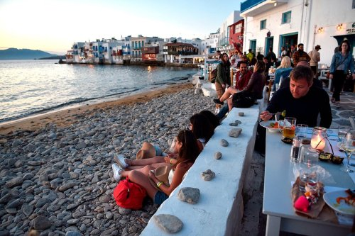Covid travel: Italy extends restrictions on British tourists as Greece considers new rules