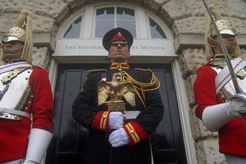 Cavalrymen ride through London to mark Waterloo anniversary