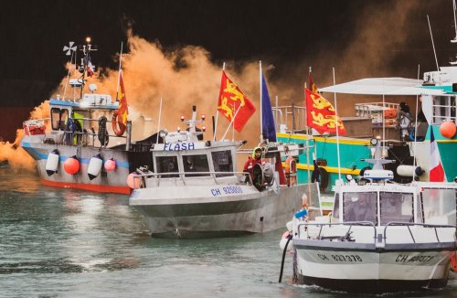 French fishermen threaten fresh protests at Jersey