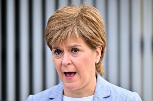 Covid-19 in Scotland: Sturgeon defends Manchester travel ban decision