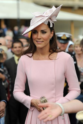 Kate promises to turn up in pink dress for four-year-old Mila
