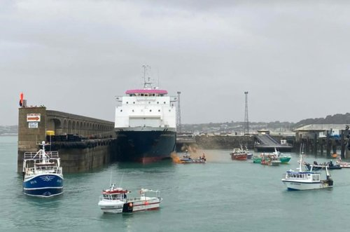 Brussels issues warning to Britain in Jersey fisheries stand-off