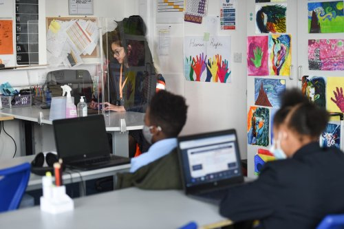 375,000 UK pupils absent over Covid-19 as school absences at its peak