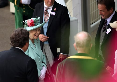 Queen all smiles in first Royal Ascot appearance since 2019