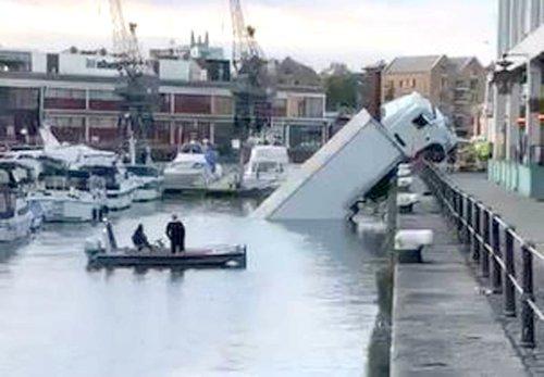 Lorry plunges into Bristol city centre harbour