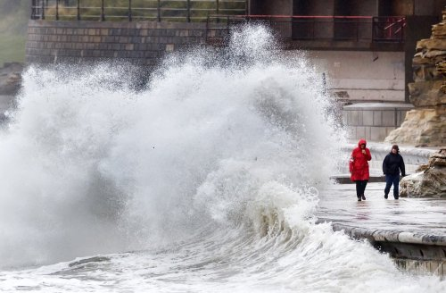 Homes face risk of flooding as thunderstorms threaten southern England