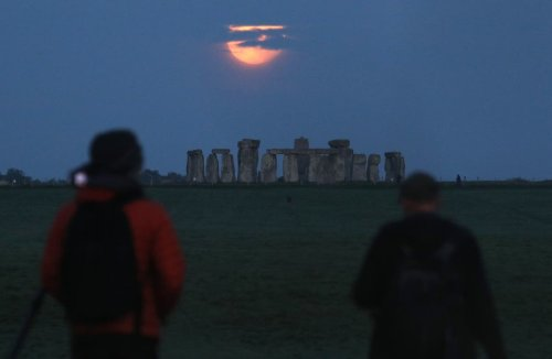 Decision to approve Stonehenge road tunnel scheme 'unlawful', High Court told