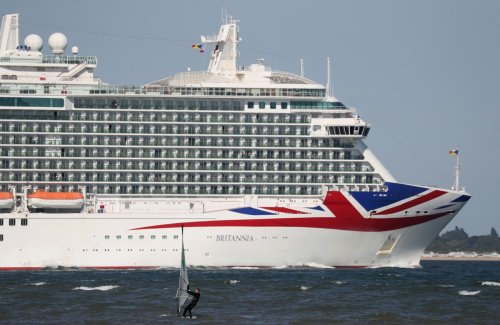 Holidays cancelled as cruises overbooked due to delay in ending Covid rules