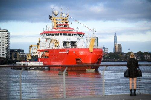 Boaty McBoatface: Polar ship travels up Thames