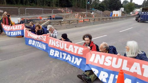 24 arrests after eco-warriors block M25 for THIRD time in one week
