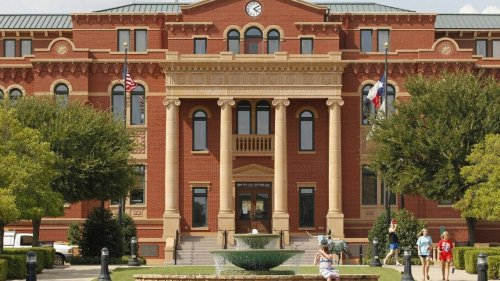 """Mayor of Southlake responds to teachers being told to include """"opposing"""" views of Holocaust"""