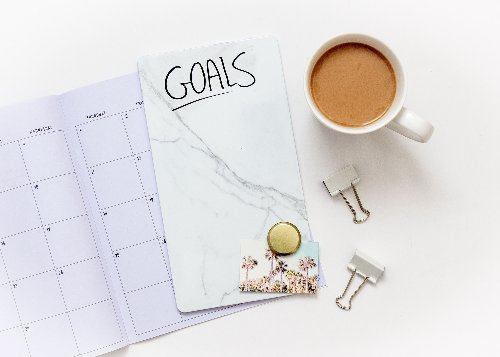 Using an Effective Vision Board to Achieve Your Goals Faster & Easier