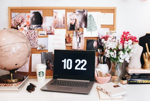The Ultimate Guide to Creating a Vision Board That Actually Works