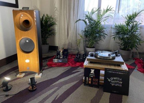 Zingali Acoustics Twenty 1.2 EVO Thirtieth Anniversary Edition loudspeaker, Cary Audio CAD-805 RS monoblocks & SLP98P preamplifier, Pear Audio Blue Kid Thomas