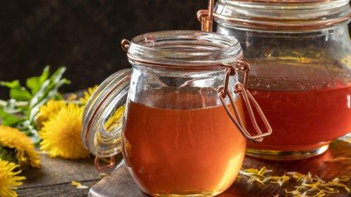 Veganer Honig selbst gemacht: So stellen Sie Löwenzahnhonig her