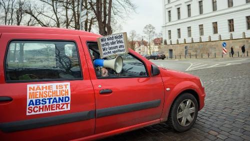 Autokorso-Protest gegen den Lockdown: Zahlreiche Verstöße gegen Corona-Regeln