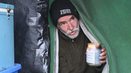 """""""Zu schön, um wahr zu sein"""": Obdachlose bekommen auf einen Schlag rund 5000 Euro"""