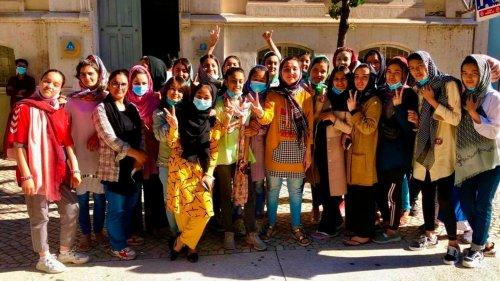 Junioren-Fußballerinnen aus Afghanistan bekommen Asyl in Portugal