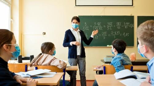 """""""Die ganze Zeit am Rande der Illegalität"""": Eine Lehrerin erzählt, was an Schulen alles schiefläuft"""