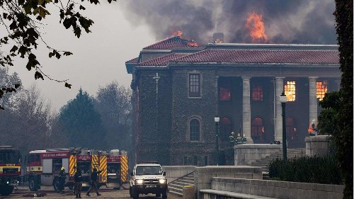 Verheerender Großbrand in Kapstadt zerstört historische Gebäude