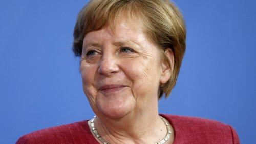 """""""Unterschiedliche Emotionen"""": Merkel sieht """"keine Probleme"""" mit Italien – außer beim Fußball"""