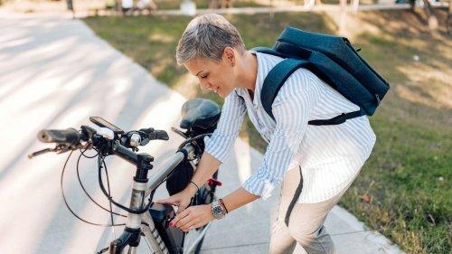 Platten oder Panne? Der ADAC bietet jetzt auch einen Pannendienst für Radfahrer an