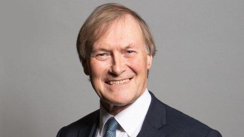 Tory-Abgeordneter bei Messerattacke getötet – Großbritannien unter Schock