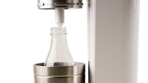 Viele kennen das Problem: Die Glaskaraffen von Sodastream werden nie richtig sauber