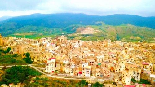 1-Euro-Häuser auf Sizilien: Dieses Ehepaar hat zugeschlagen – und bereut es nicht