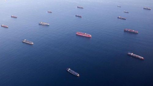 Rekordzahl von Frachtschiffen steckt vor L.A. fest – und die Amerikaner bangen um ihre Weihnachtsgeschenke