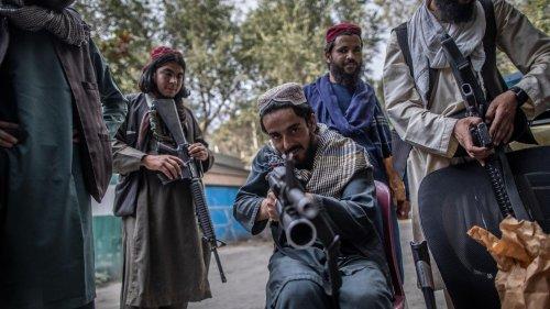 Zur Abschreckung: Taliban verhängen drakonische Strafen und stellen Leichen zur Schau