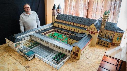 Pensionär baut Würzburger Dom aus 2,5 Millionen Lego-Steinen