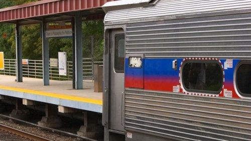 Frau wird im Zug vergewaltigt – keiner der anderen Fahrgäste hilft ihr
