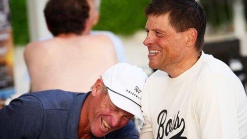 """""""Bin so stolz auf dich, Champ"""": Armstrong trifft Ullrich – die Bilder des emotionalen Wiedersehens"""