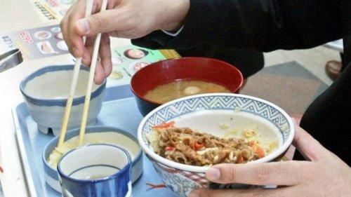 Vorsicht, Fettnäpfchen! Auf diese Etikette-Regeln legen Japaner großen Wert
