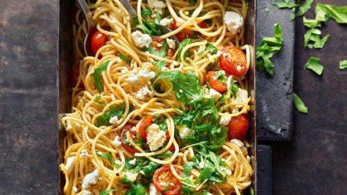Express-Rezept vom Sternekoch: Ofen-Spaghetti mit Feta in nur 8 Minuten