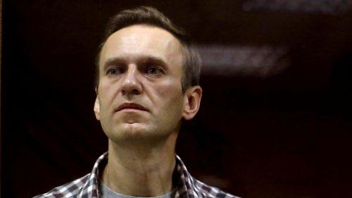 """Nawalnys Zustand spitzt sich dramatisch zu: """"Er kann jede Minute sterben"""""""
