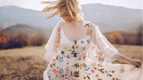 Modetrend Hippie-Kleider: Warum die wallende Kleider perfekt für den Sommer sind