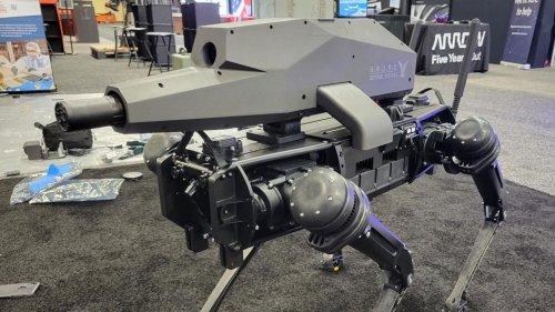 Killer-Technik: Waffen-Hersteller baut herumlaufendes Roboter-Gewehr