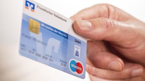 75 Cent je Kartenzahlung: Immer mehr Banken kassieren bei jedem Brötchenkauf ab