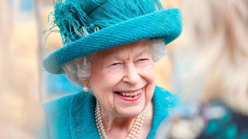 """TikTokerin schickt """"fürchterliches"""" Porträt an die Queen – und bekommt Dankesschreiben zurück"""