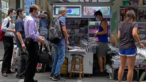 """""""Apple Daily ist tot"""": Riesiger Ansturm auf die letzte Ausgabe der Peking-kritischen Zeitung"""