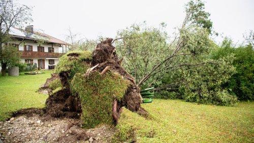 Schäden nach Unwettern im südlichen Oberbayern