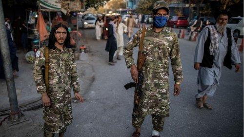 Langhaarige Soldaten in Plastiksandalen: So herrschen die Taliban in Kundus
