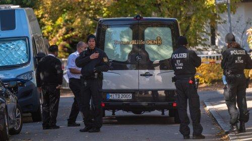 14-jähriges Mädchen tot aufgefunden: Polizei fahndet nach 17-Jährigem