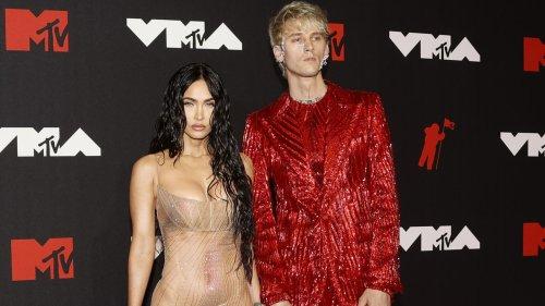 Rottöne, Violett oder ein Hauch von Nichts: Die Outfits der MTV Video Music Awards