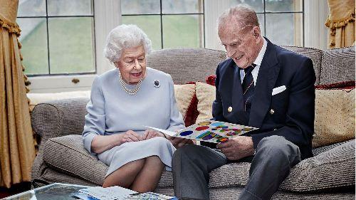Sorge um Prinz Philip wird größer - und ebenso die Wut auf Harry und Meghan