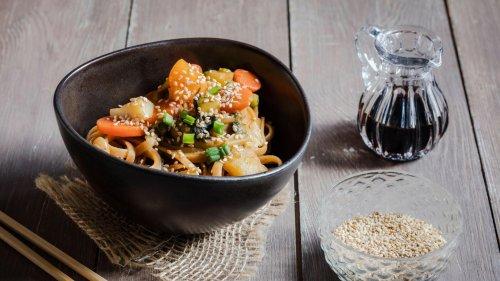 """Rezept für eine cremige """"Asian Style One Pot Pasta"""" – gesund und vegan"""