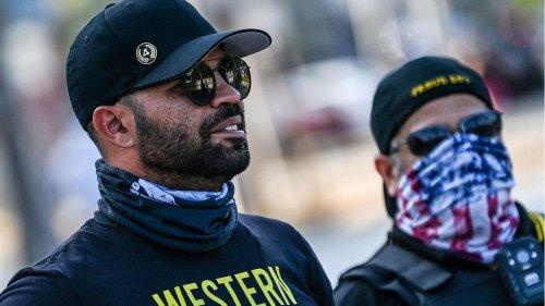"""Er ist Chef der rechtsextremen """"Proud Boys"""". Doch jetzt verkauft er """"Black Lives Matter""""-Shirts"""