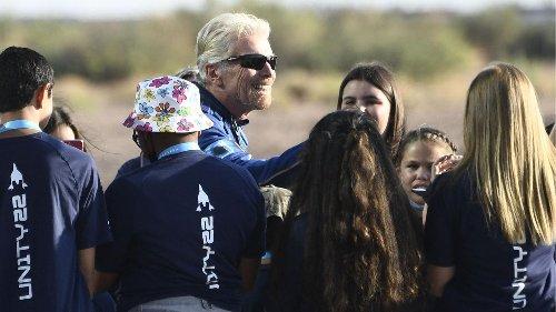 Virgin Galactic: Milliardär Branson zu Weltraum-Flug aufgebrochen